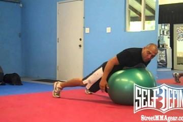 Разминка с гимнастическим мячом в БЖЖ