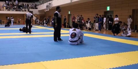 Рафаэль Мендес финиширует всех соперников на Copa Bull Terrier в Японии