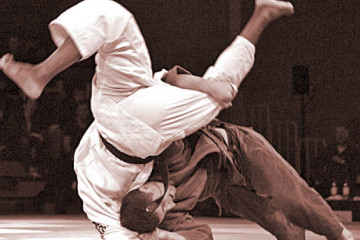 kataguruma-judos-spectacular-shoulder-wheel-throw-317