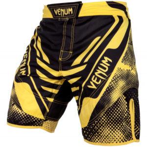 shorty-venum-technical-fight-shorts-black-yellow (3)